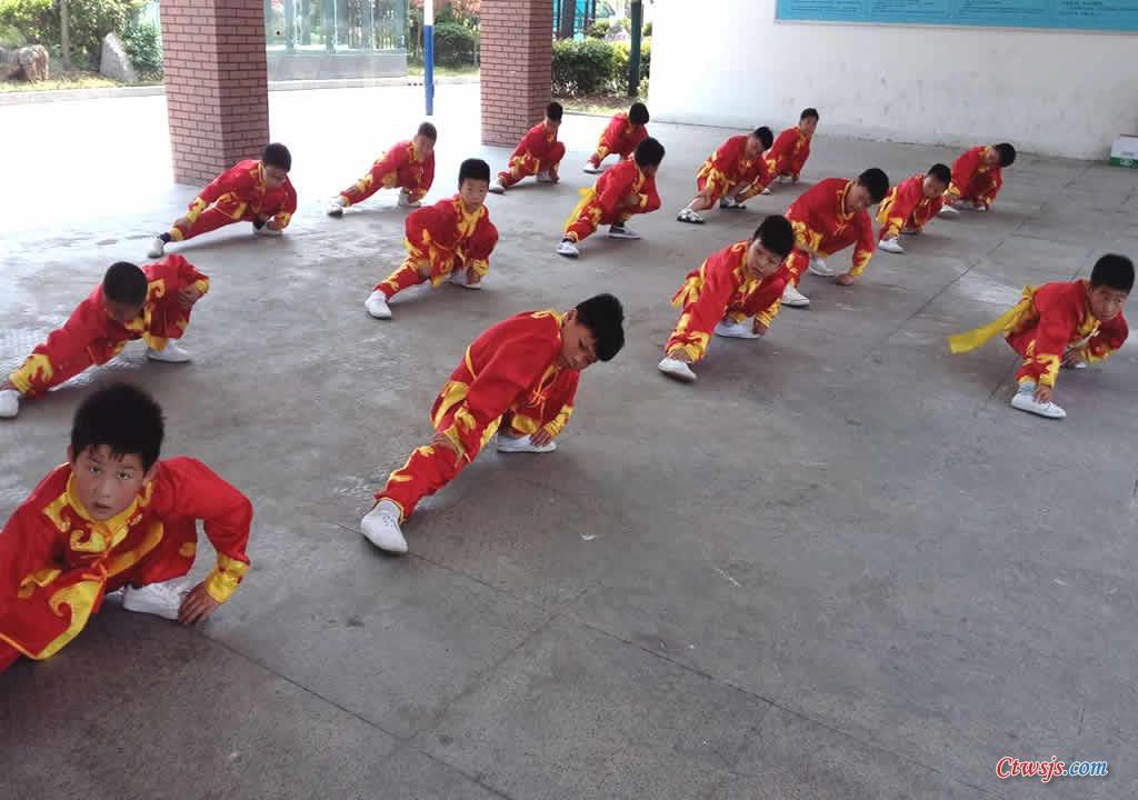 5-沭阳县长庄小学武术观摩活动展示